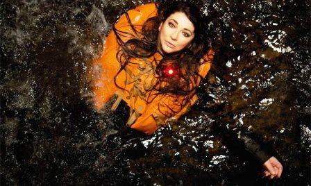 kate-bush-live-on-stage-promo-2014-636-380